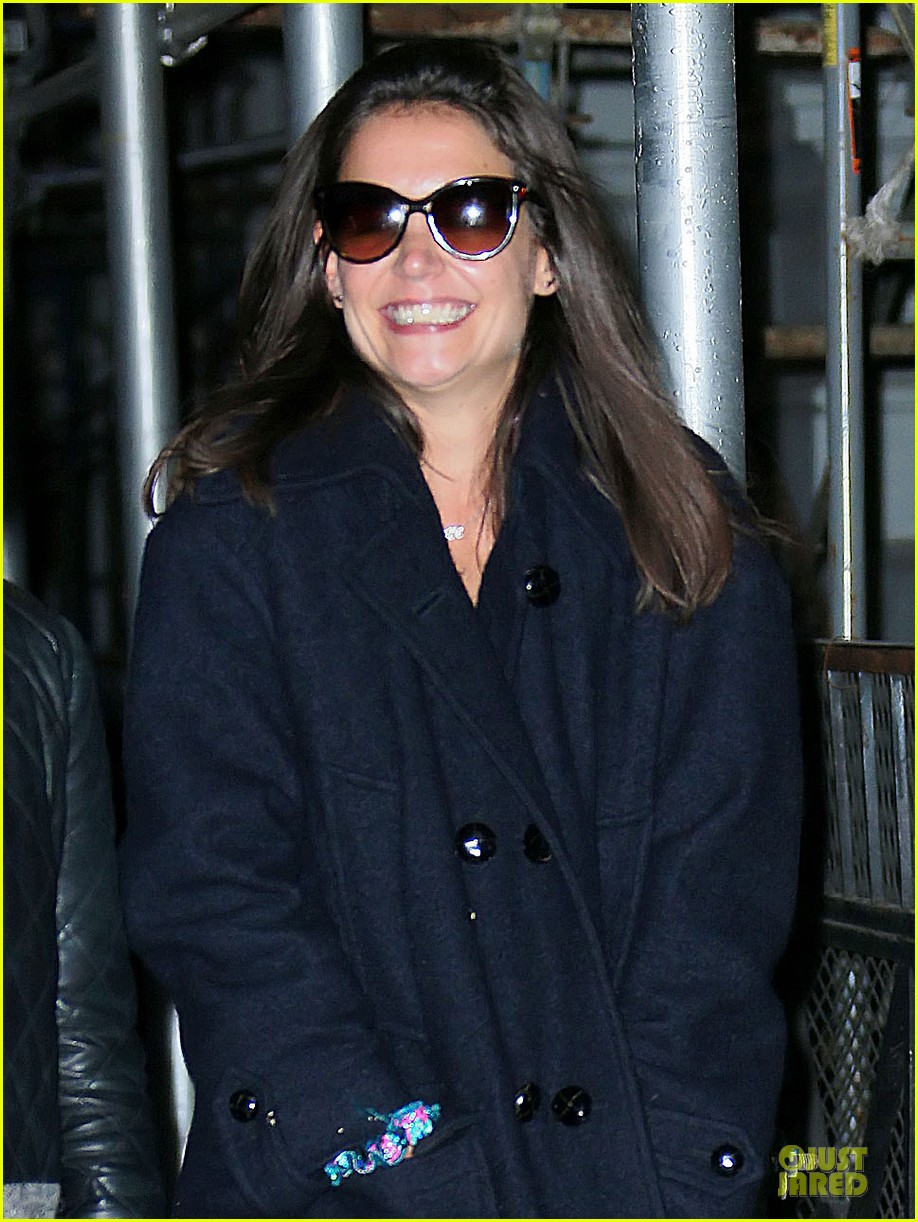 katie holmes back in nyc after the giver filming 042993736