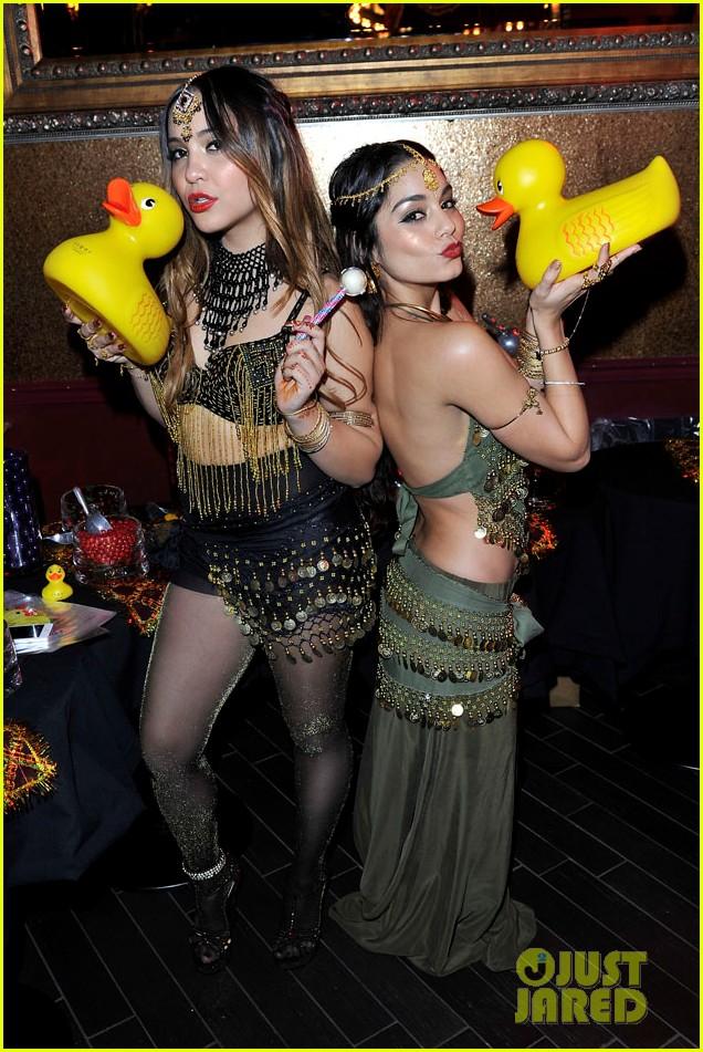 vannessa hudgens stella birthday party at beachers madhouse 08
