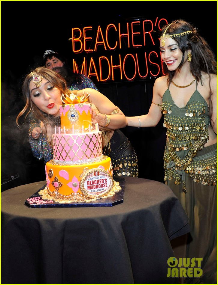 vannessa hudgens stella birthday party at beachers madhouse 282995402