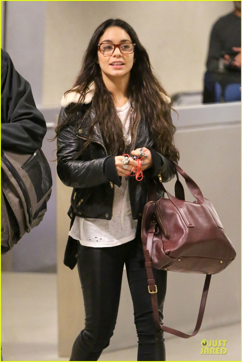 vanessa hudgens sports eyeglasses at lax airport 122993783