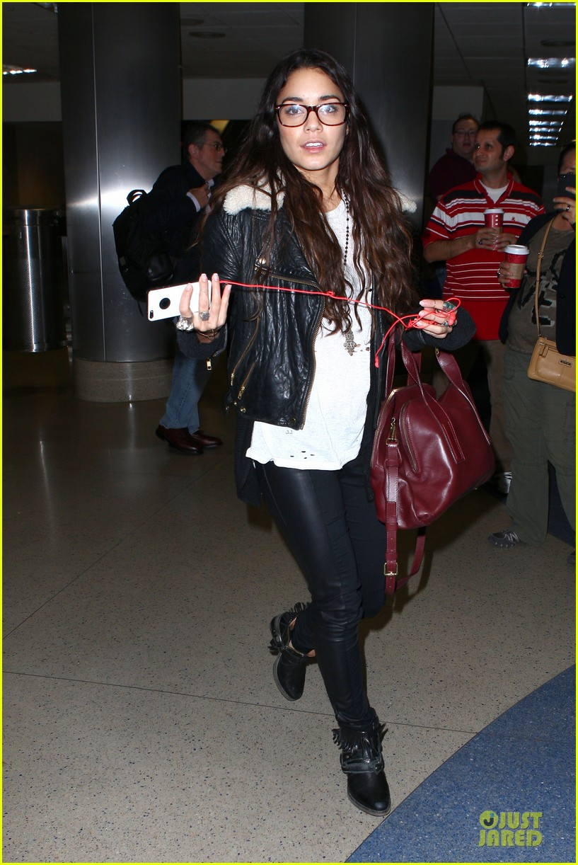 vanessa hudgens sports eyeglasses at lax airport 232993794
