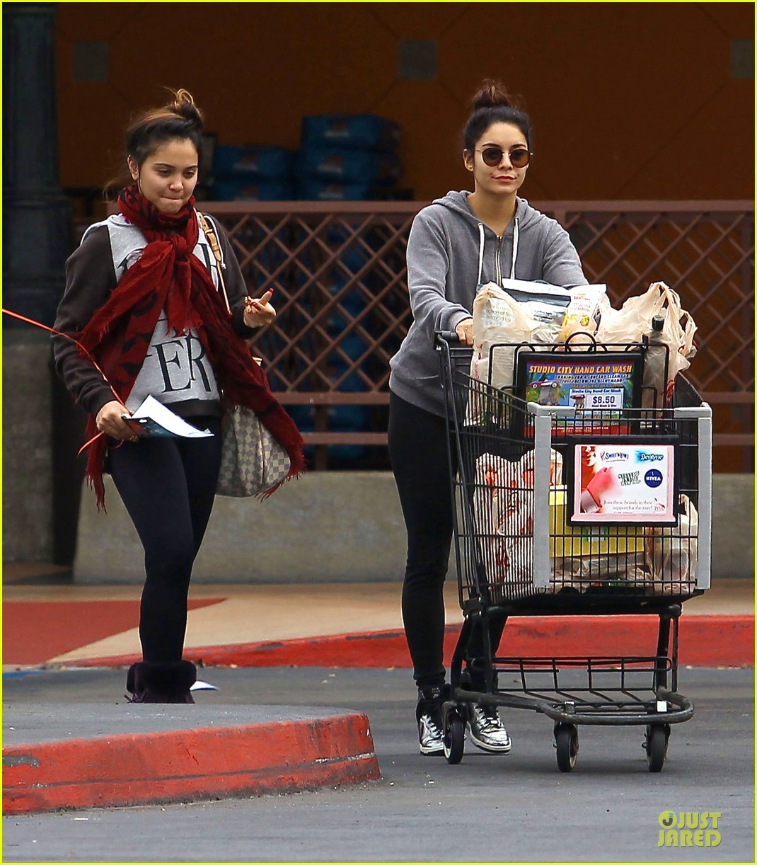 vanessa hudgens ralphs birthday shopping with stella 102994351