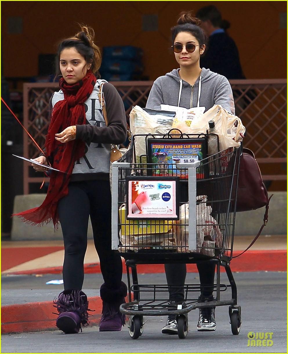 vanessa hudgens ralphs birthday shopping with stella 132994354