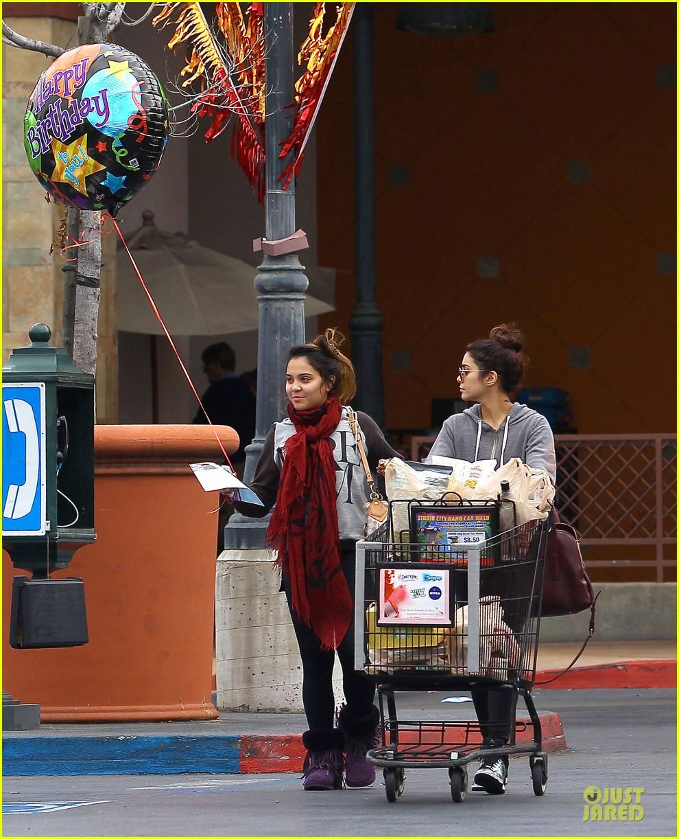 vanessa hudgens ralphs birthday shopping with stella 152994356