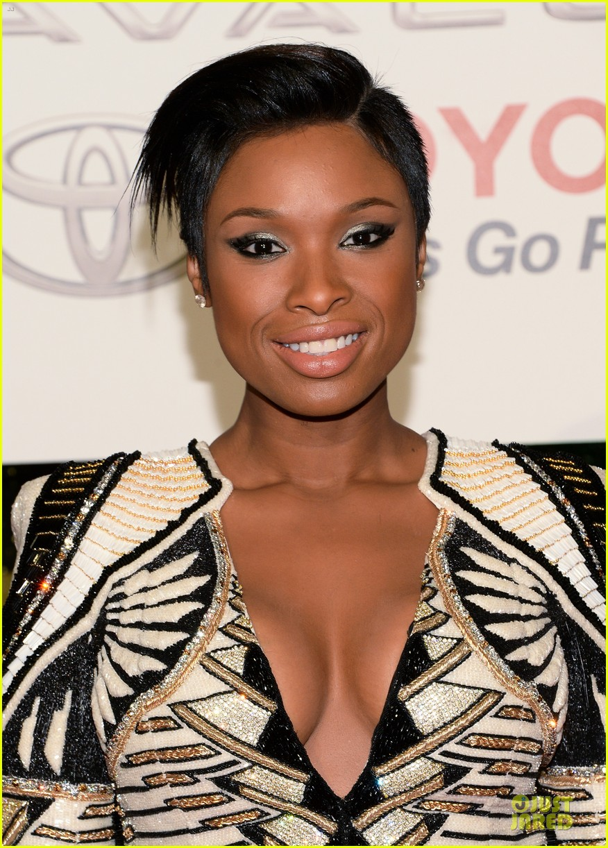 jennifer hudson ashanti soul train awards 2013 red carpet 022988735