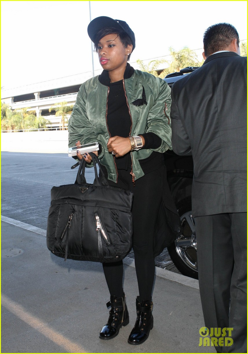 jennifer hudson flies out of town after walk of fame ceremony 072993377