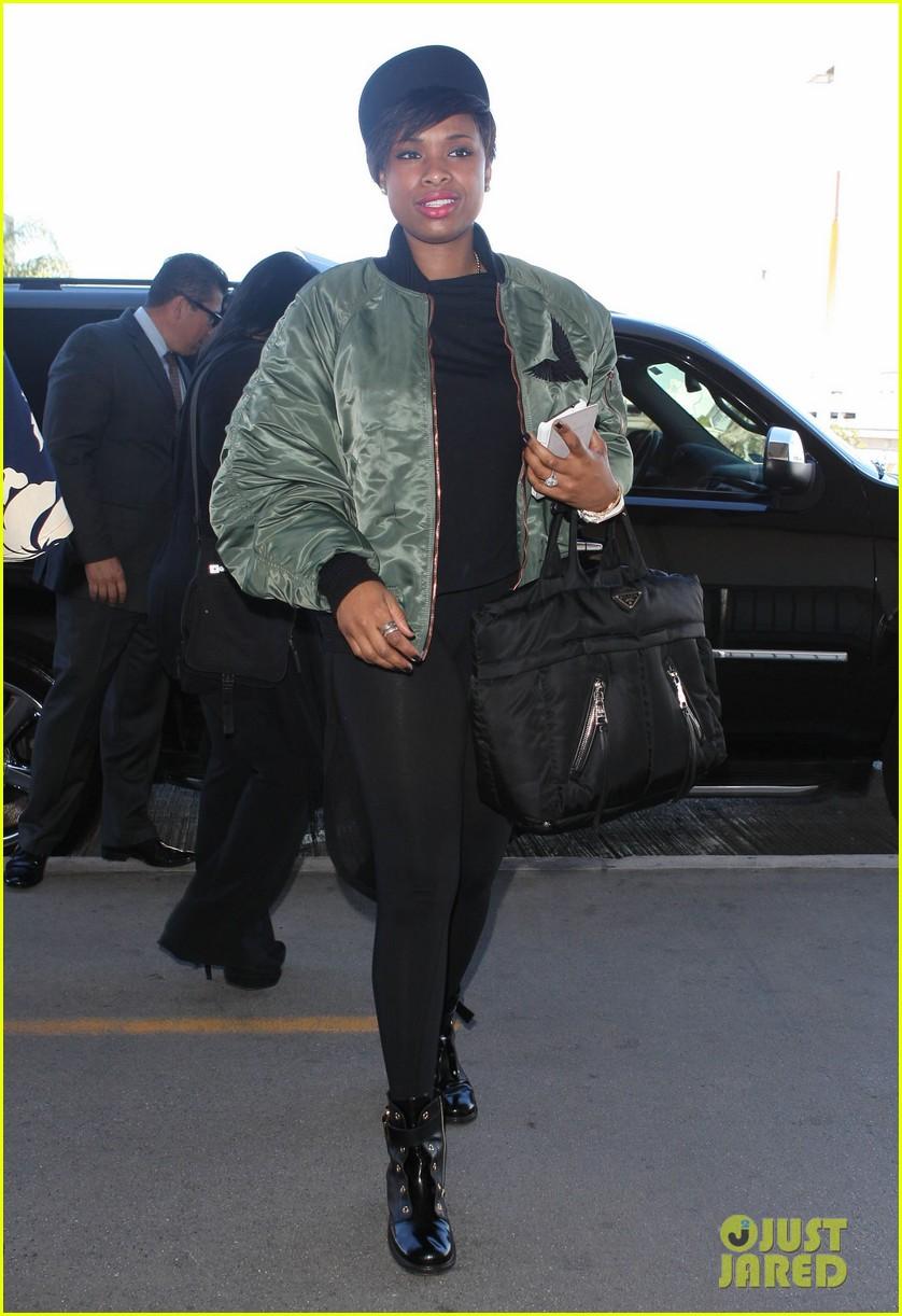 jennifer hudson flies out of town after walk of fame ceremony 092993379
