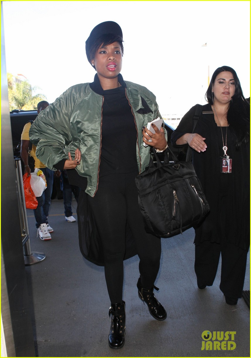 jennifer hudson flies out of town after walk of fame ceremony 112993381