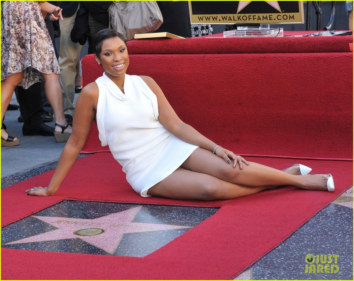 jennifer hudson receives star on hollywood walk of fame 152992028