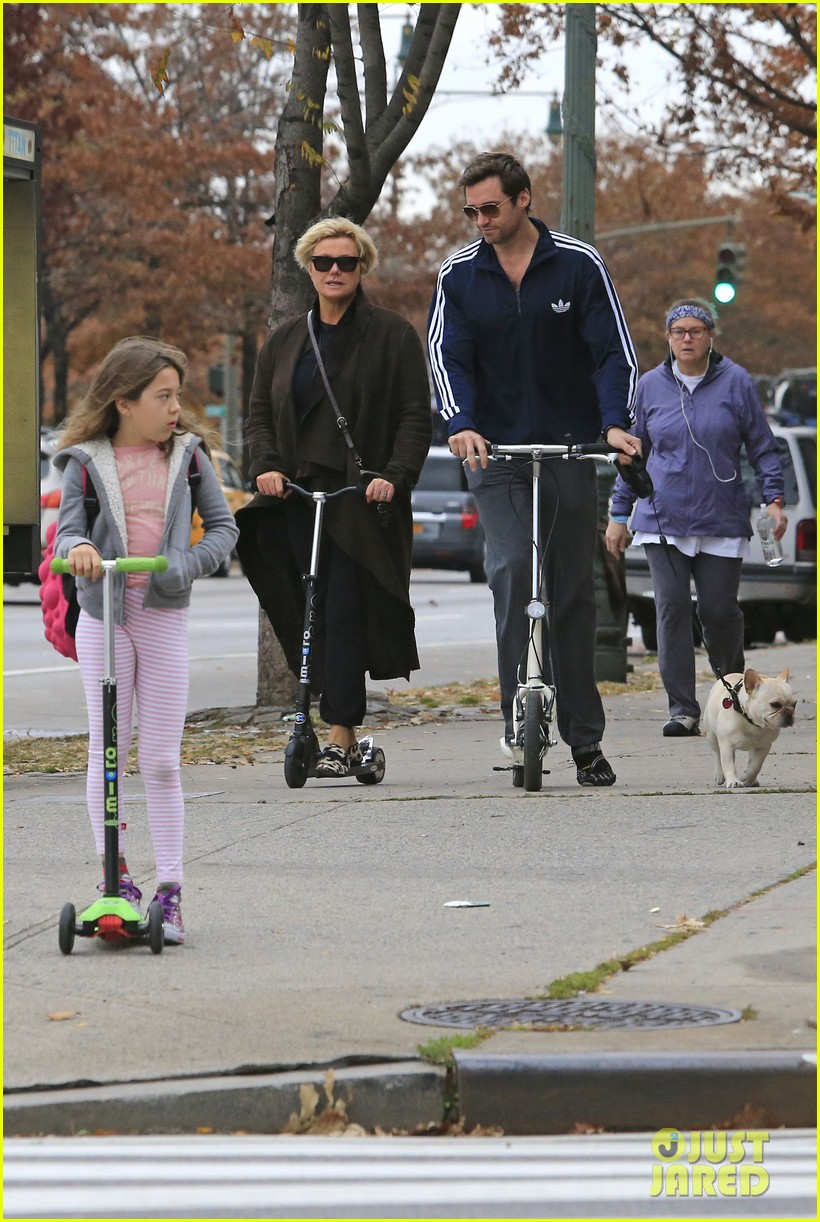 hugh jackman steps out with familly after wolverine news 032988359