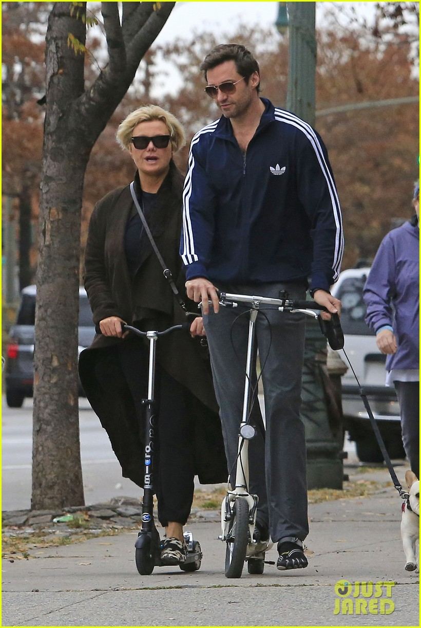 hugh jackman steps out with familly after wolverine news 04