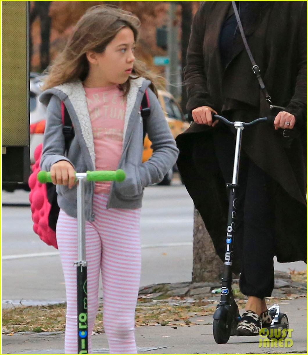 hugh jackman steps out with familly after wolverine news 102988366