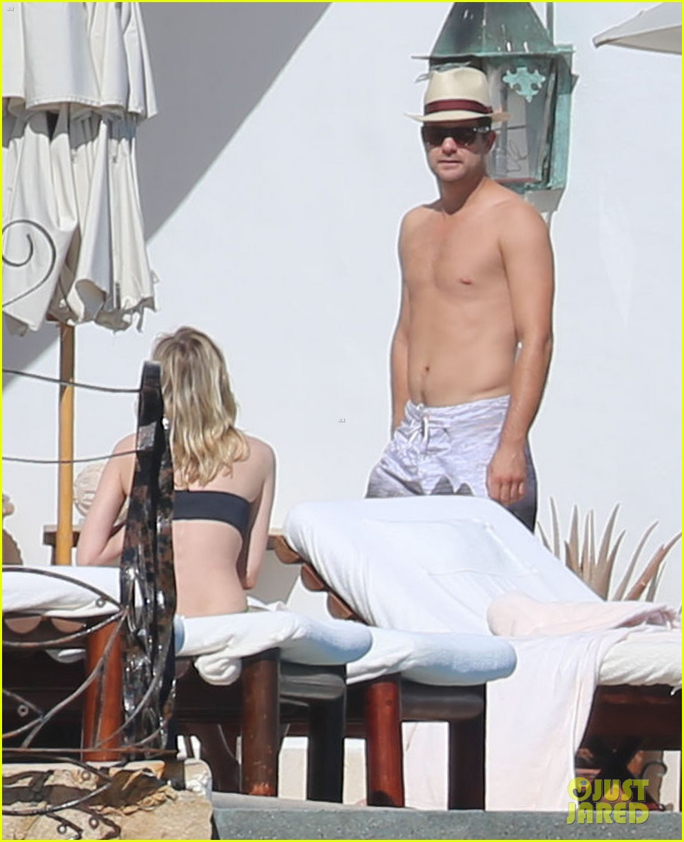 joshua jackson goes shirtless diane kruger wears bikini for cabo getaway 023000921