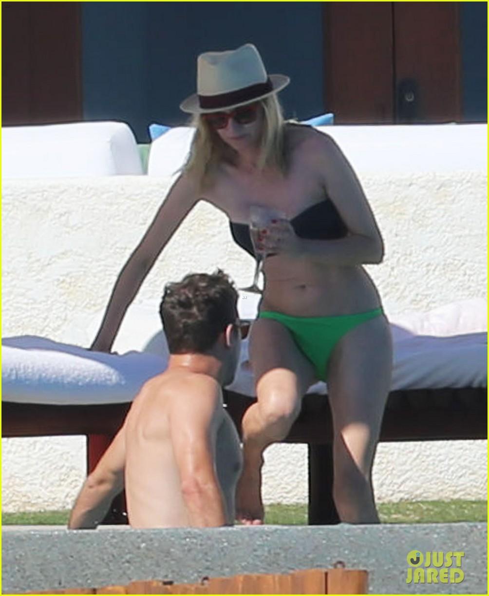 joshua jackson goes shirtless diane kruger wears bikini for cabo getaway 063000925