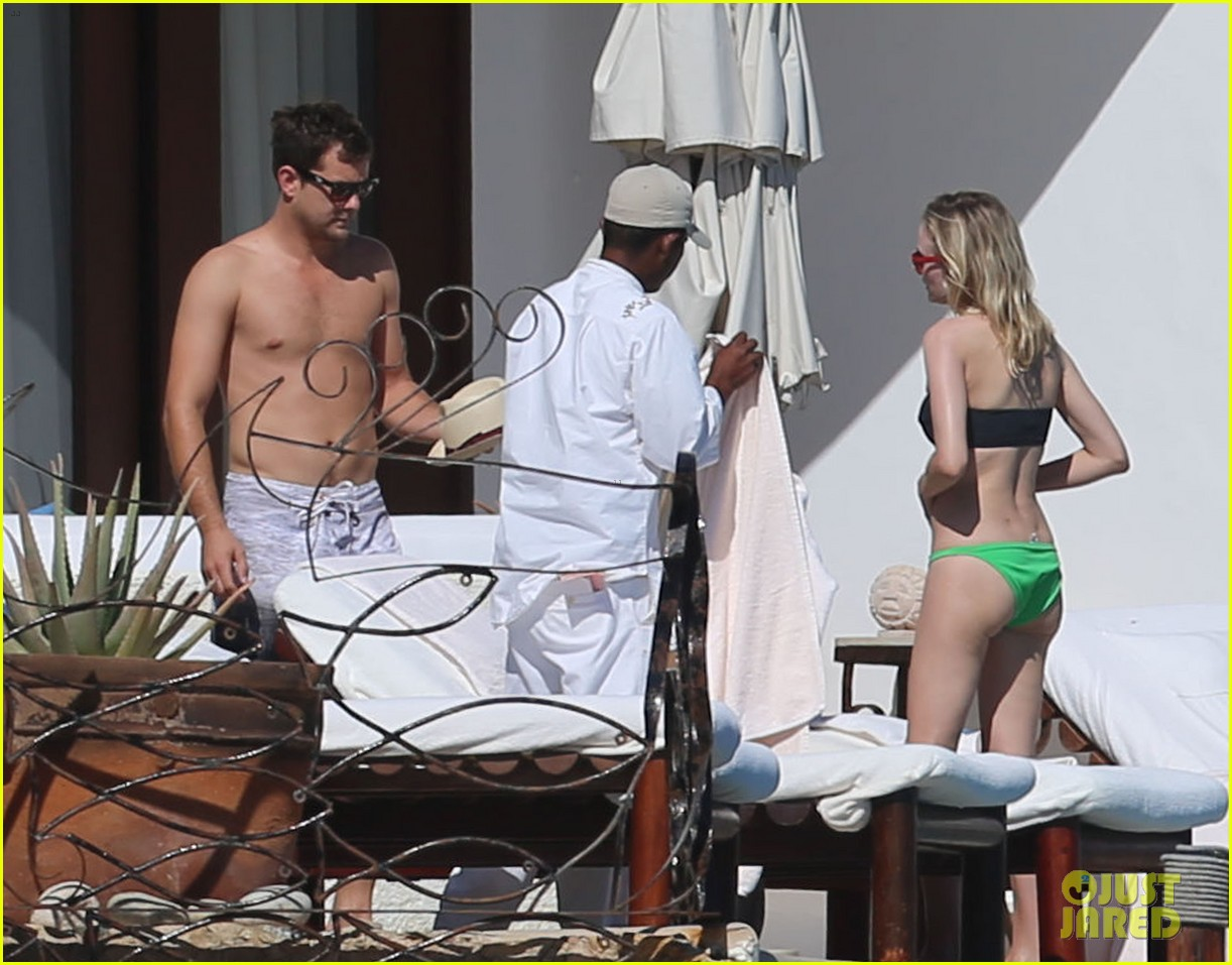 joshua jackson goes shirtless diane kruger wears bikini for cabo getaway 103000929