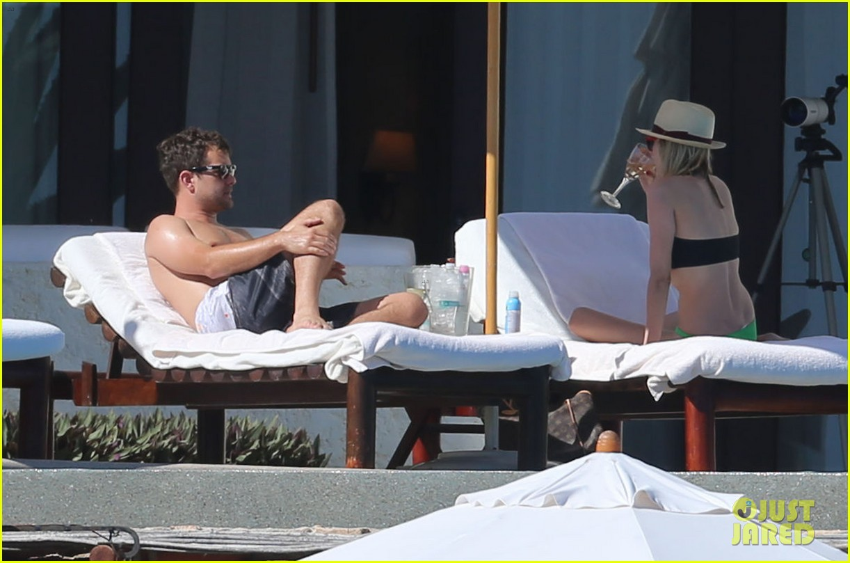 joshua jackson goes shirtless diane kruger wears bikini for cabo getaway 13