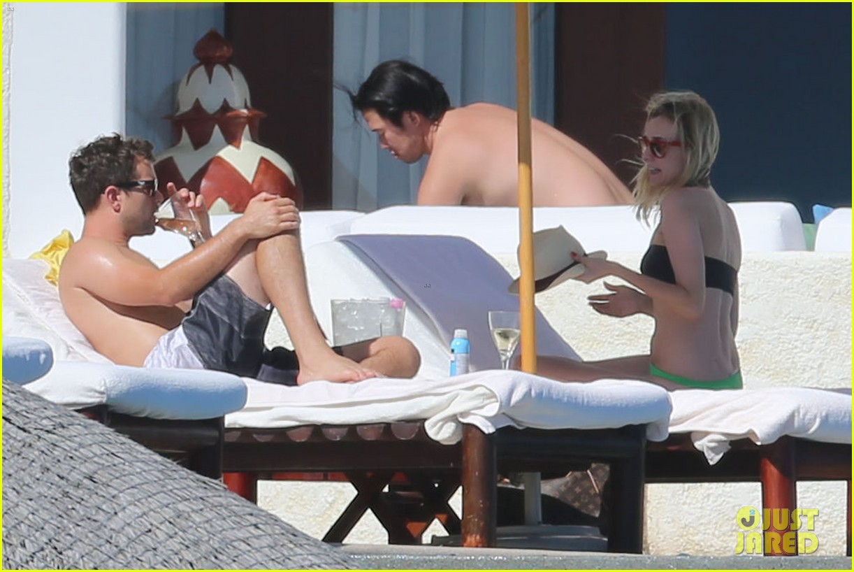 joshua jackson goes shirtless diane kruger wears bikini for cabo getaway 143000933