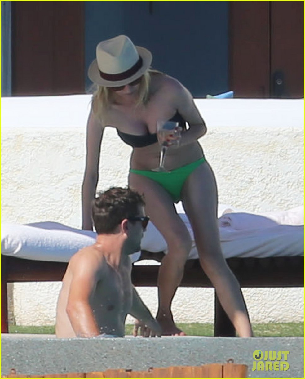 joshua jackson goes shirtless diane kruger wears bikini for cabo getaway 15