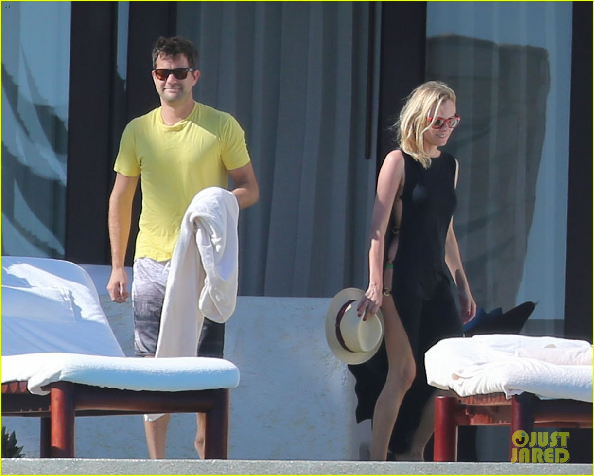 joshua jackson goes shirtless diane kruger wears bikini for cabo getaway 213000940