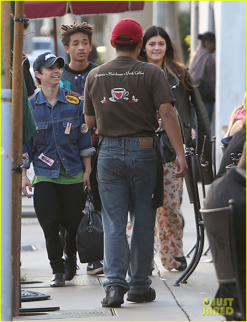 jaden smith kylie jenner shop dine with larger group 142996513
