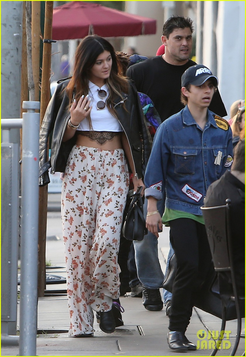 jaden smith kylie jenner shop dine with larger group 152996514