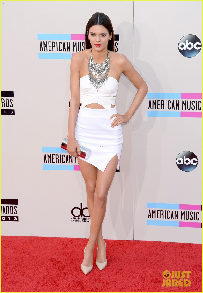 kendall kylie jenner amas 2013 red carpet 08