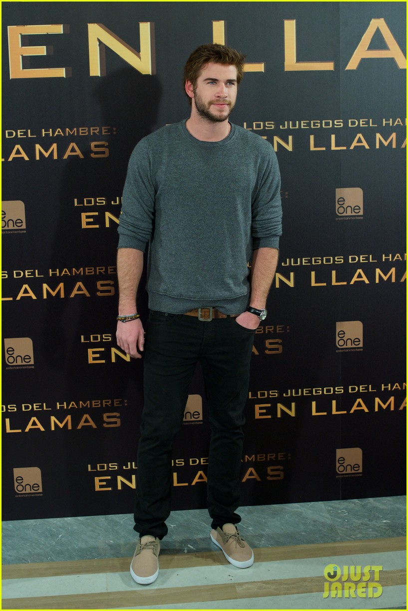 jennifer lawrence liam hemsworth cataching fire madrid 032991528