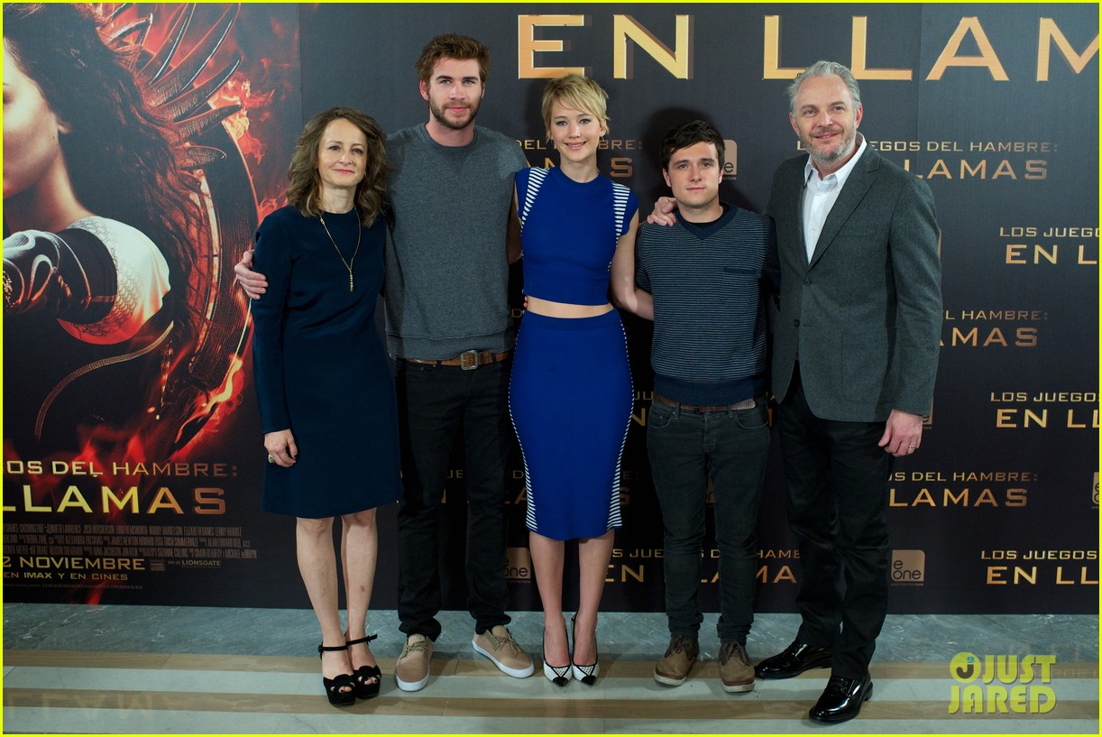 jennifer lawrence liam hemsworth cataching fire madrid 052991530