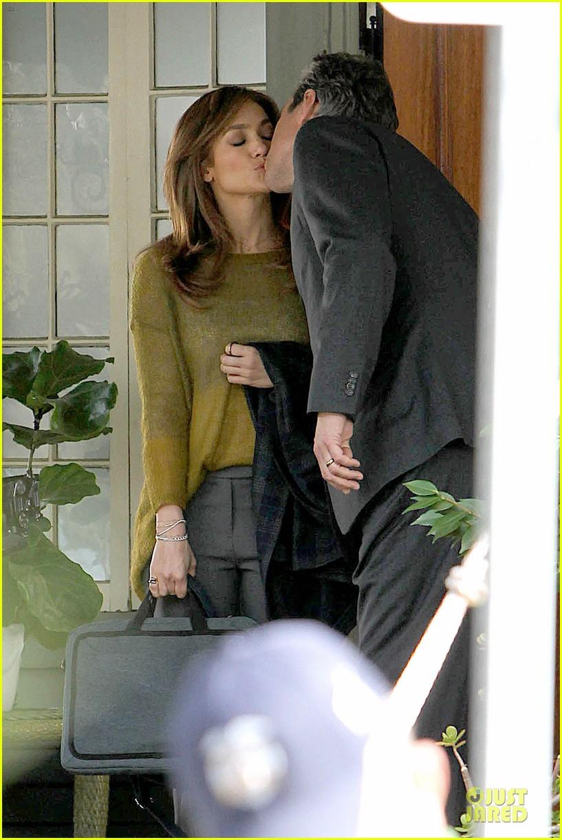 Jennifer Lopez: 'Boy Next Door' Kissing Scene with John ...