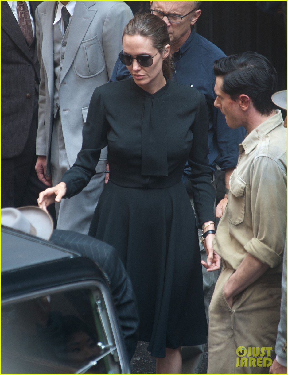 angelina jolie gets back to directing unbroken in australia 182997691