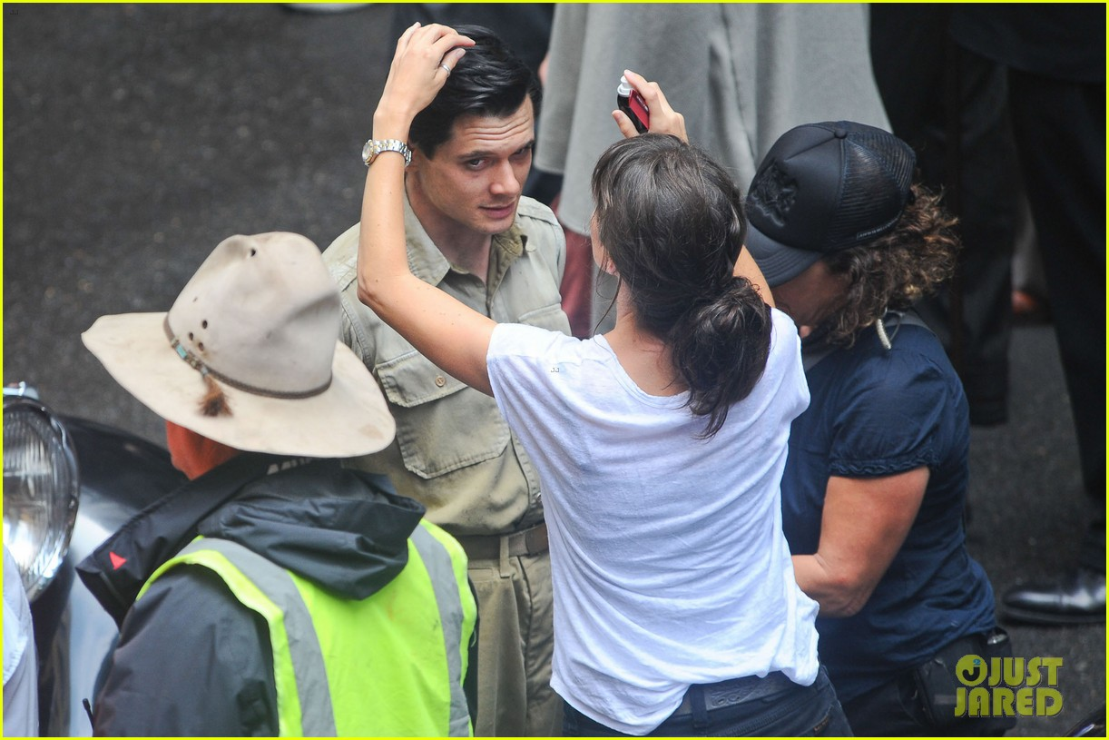 angelina jolie gets back to directing unbroken in australia 33