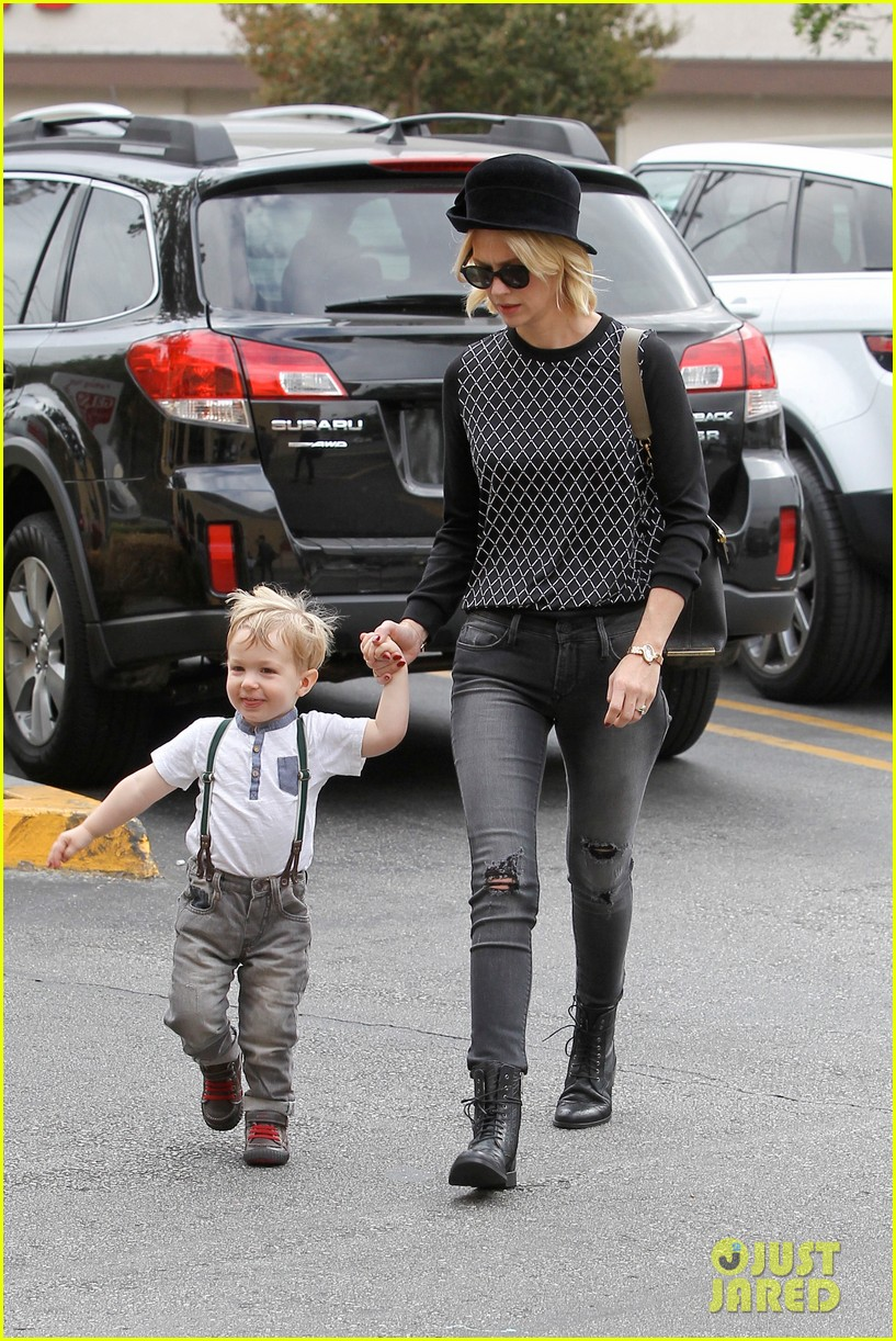 january jones goes food shopping with joyful son xander 12