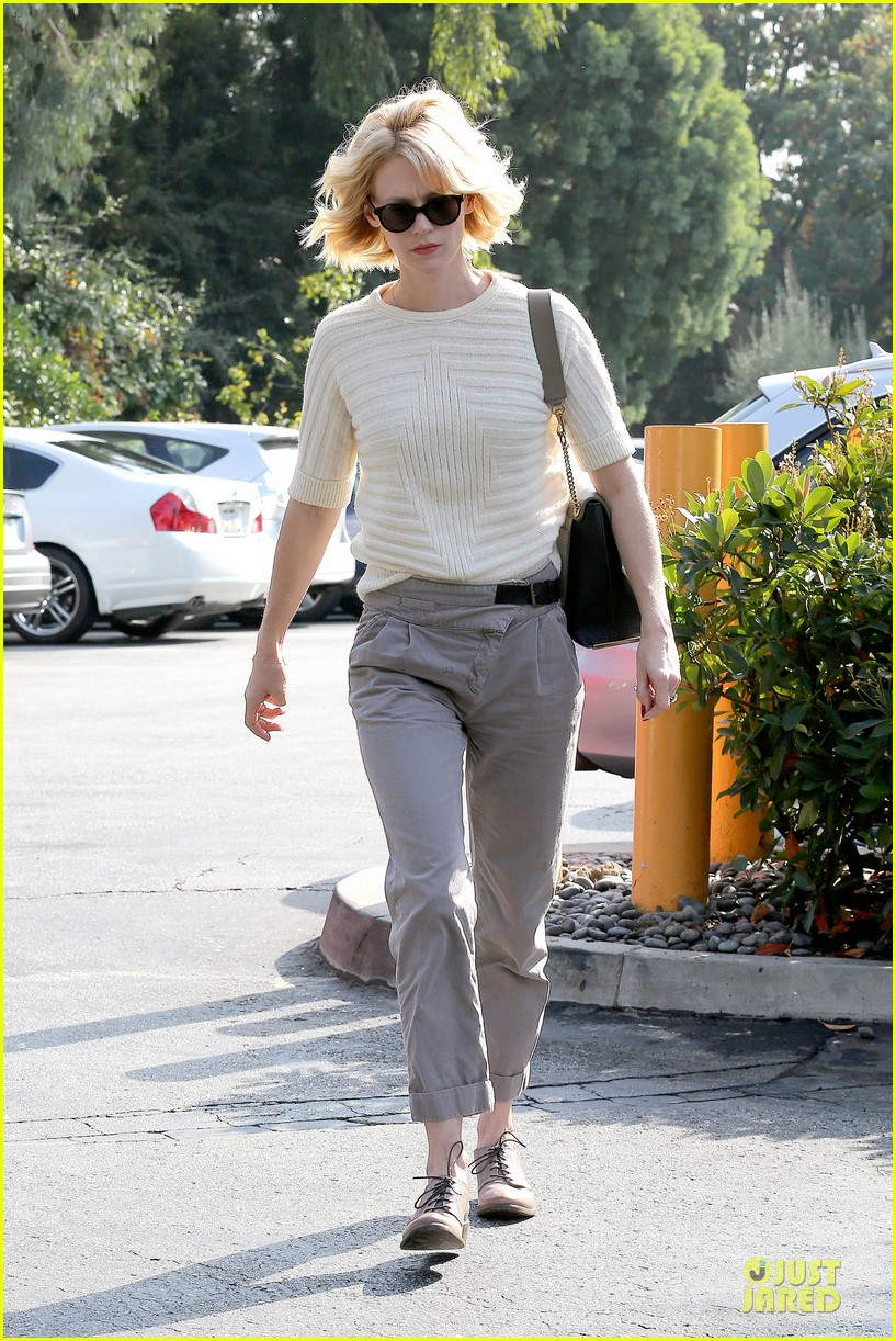 january jones sunglasses sporting pair 092996112