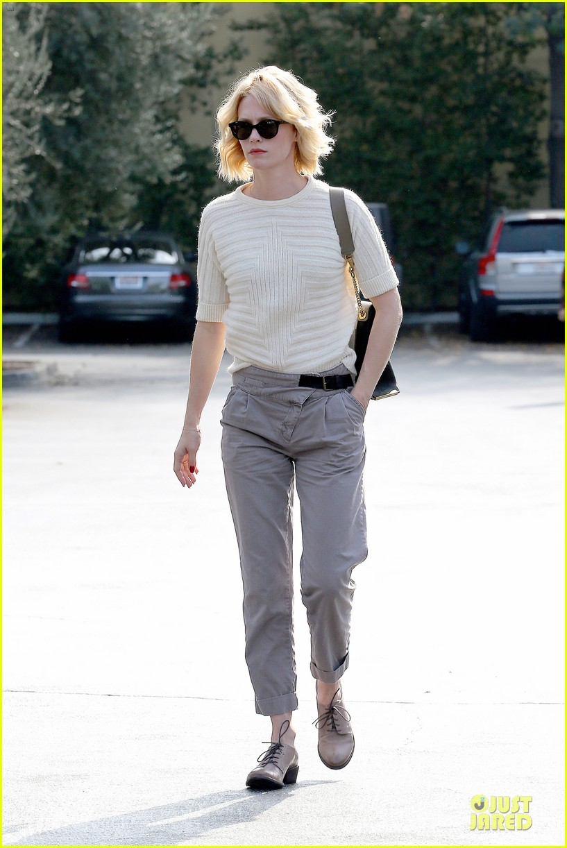 january jones sunglasses sporting pair 112996114