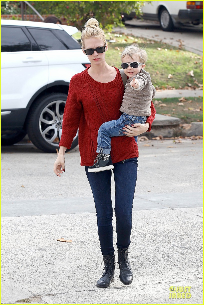 january jones sunglasses sporting pair 15