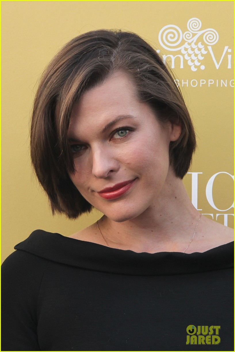milla jovovich wertheim village 10th anniversary celebration 022990369