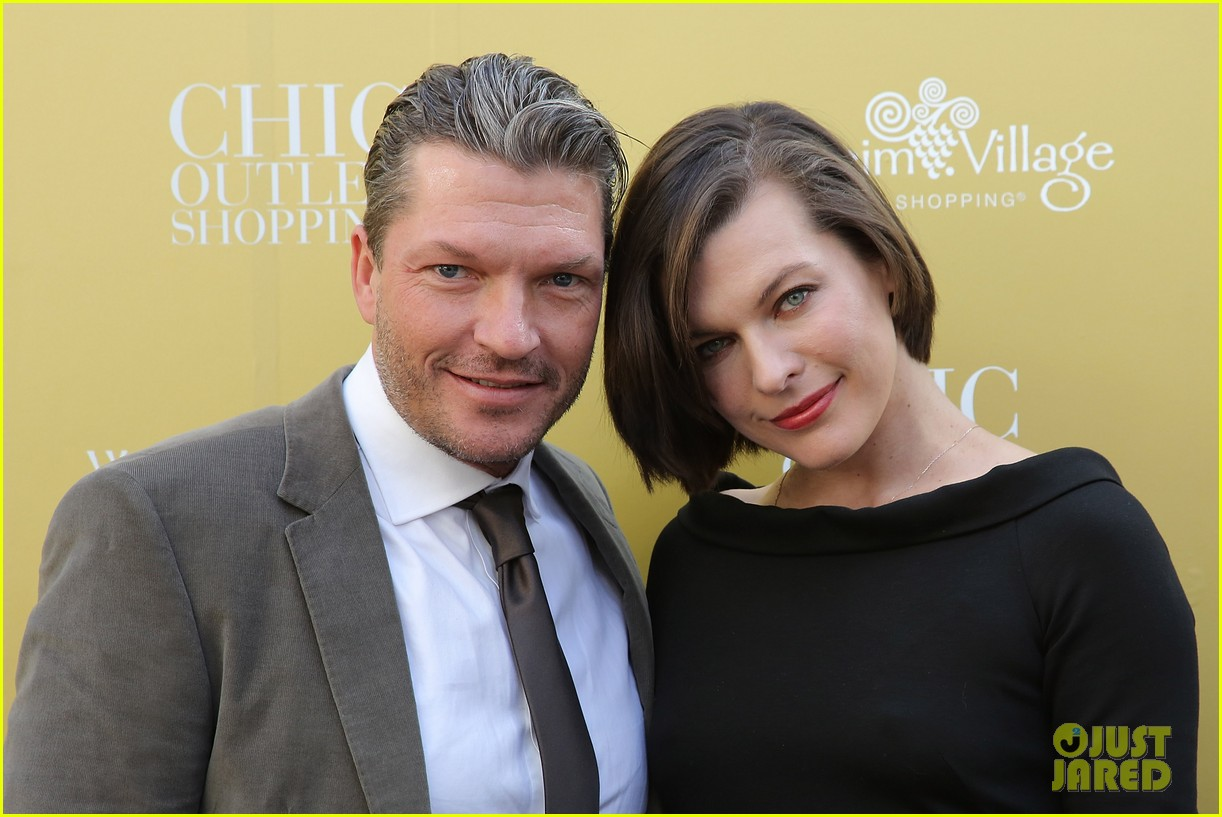 milla jovovich wertheim village 10th anniversary celebration 132990380
