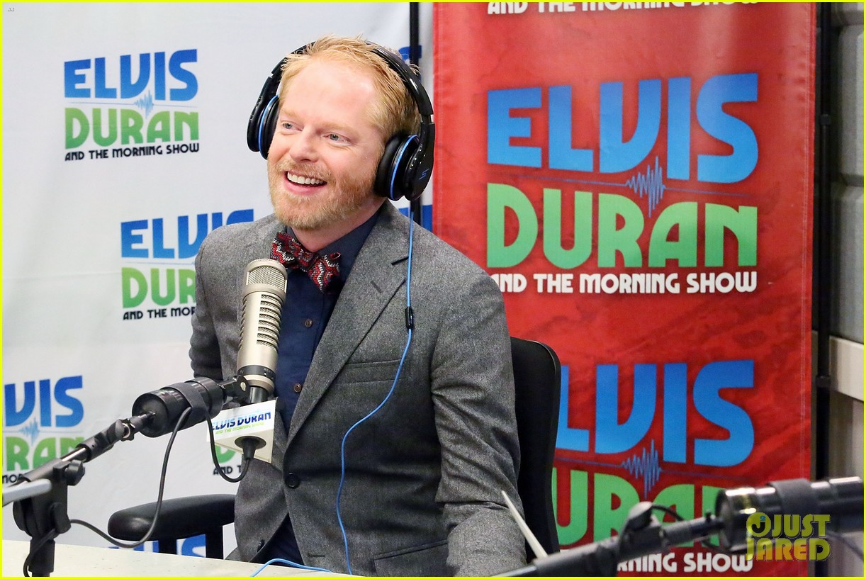 jesse tyler ferguson weighs in on alec baldwin controversy 082997615