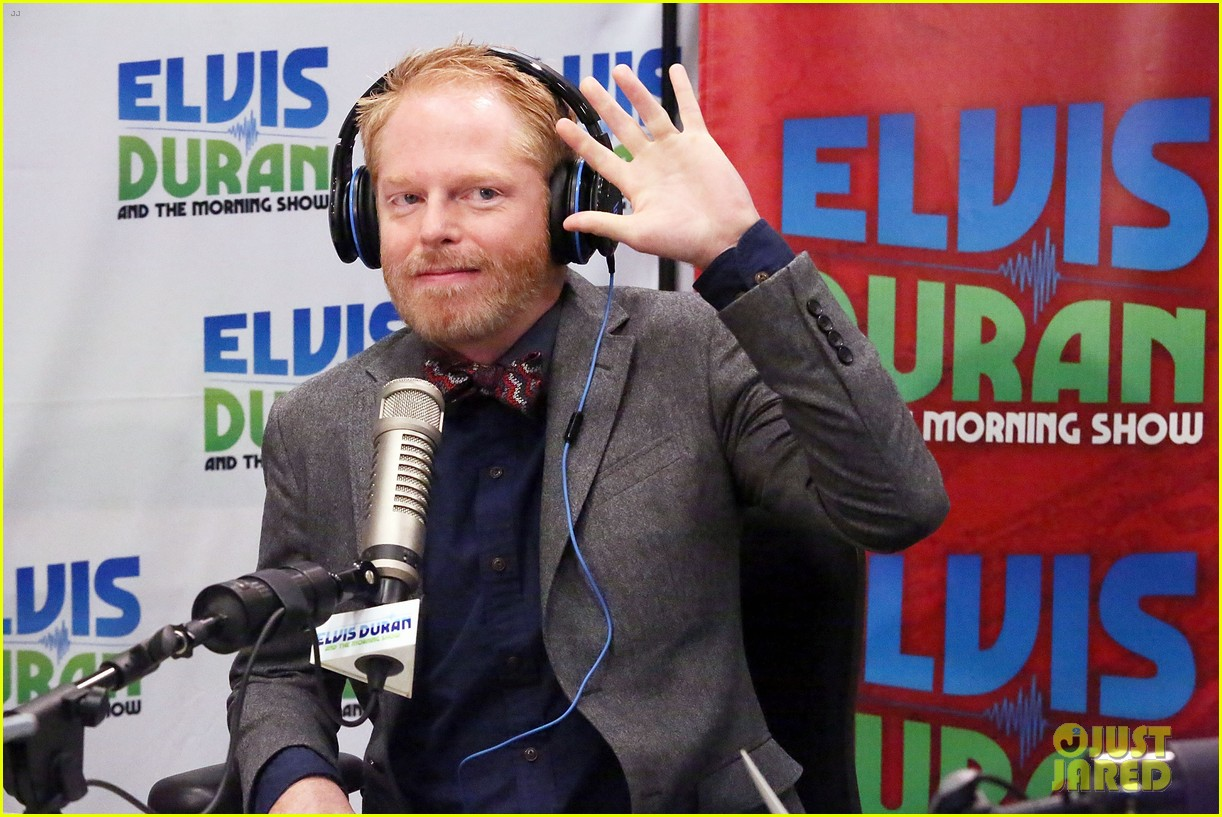 jesse tyler ferguson weighs in on alec baldwin controversy 12