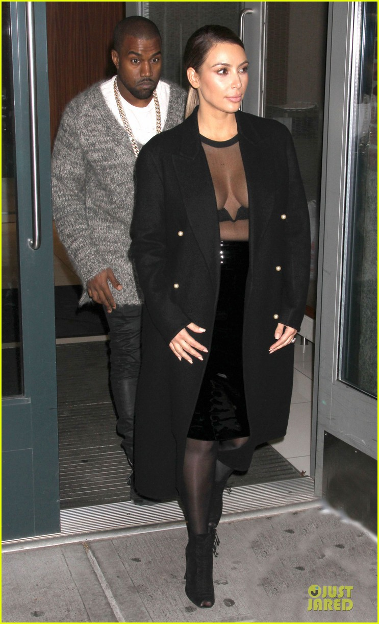 kim kardashian sheer cleavage for kanye west concert 08
