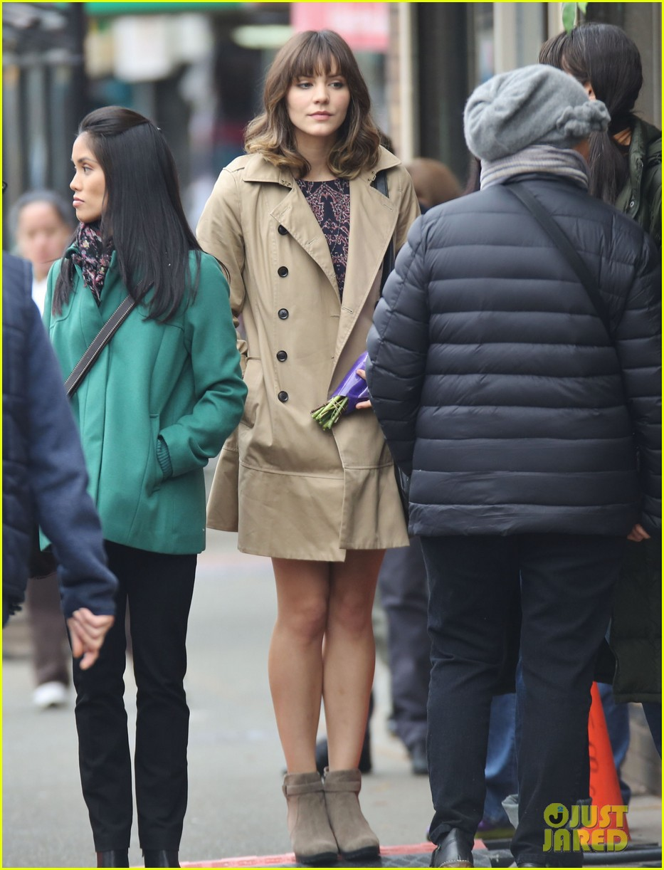 katharine mcphee gets to work on thanksgiving day 013002140