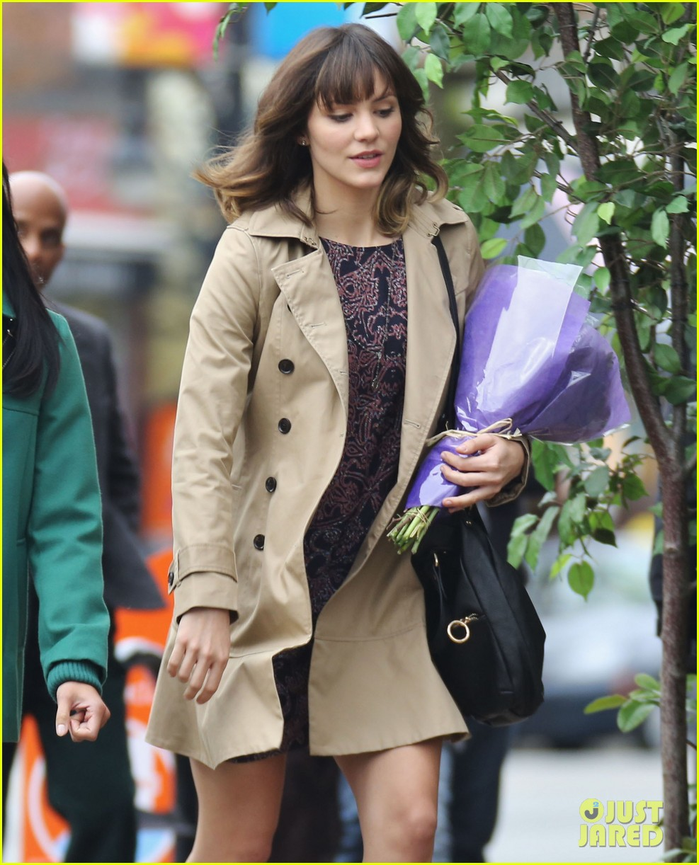 katharine mcphee gets to work on thanksgiving day 02