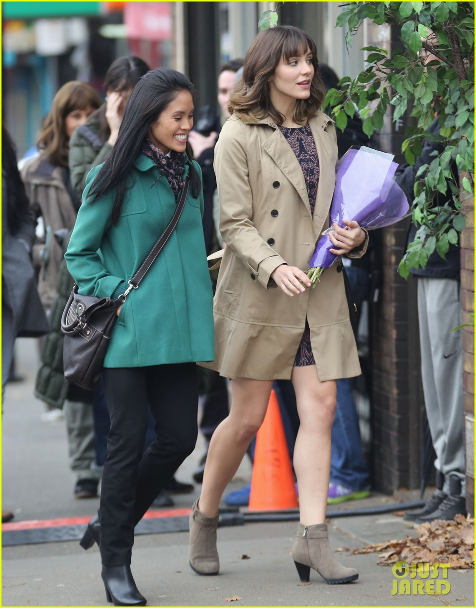 katharine mcphee gets to work on thanksgiving day 053002144