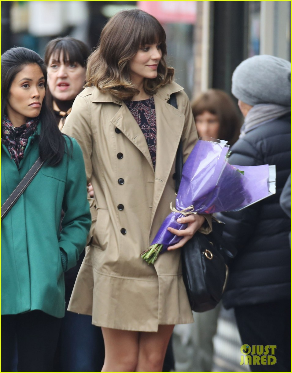 katharine mcphee gets to work on thanksgiving day 123002151