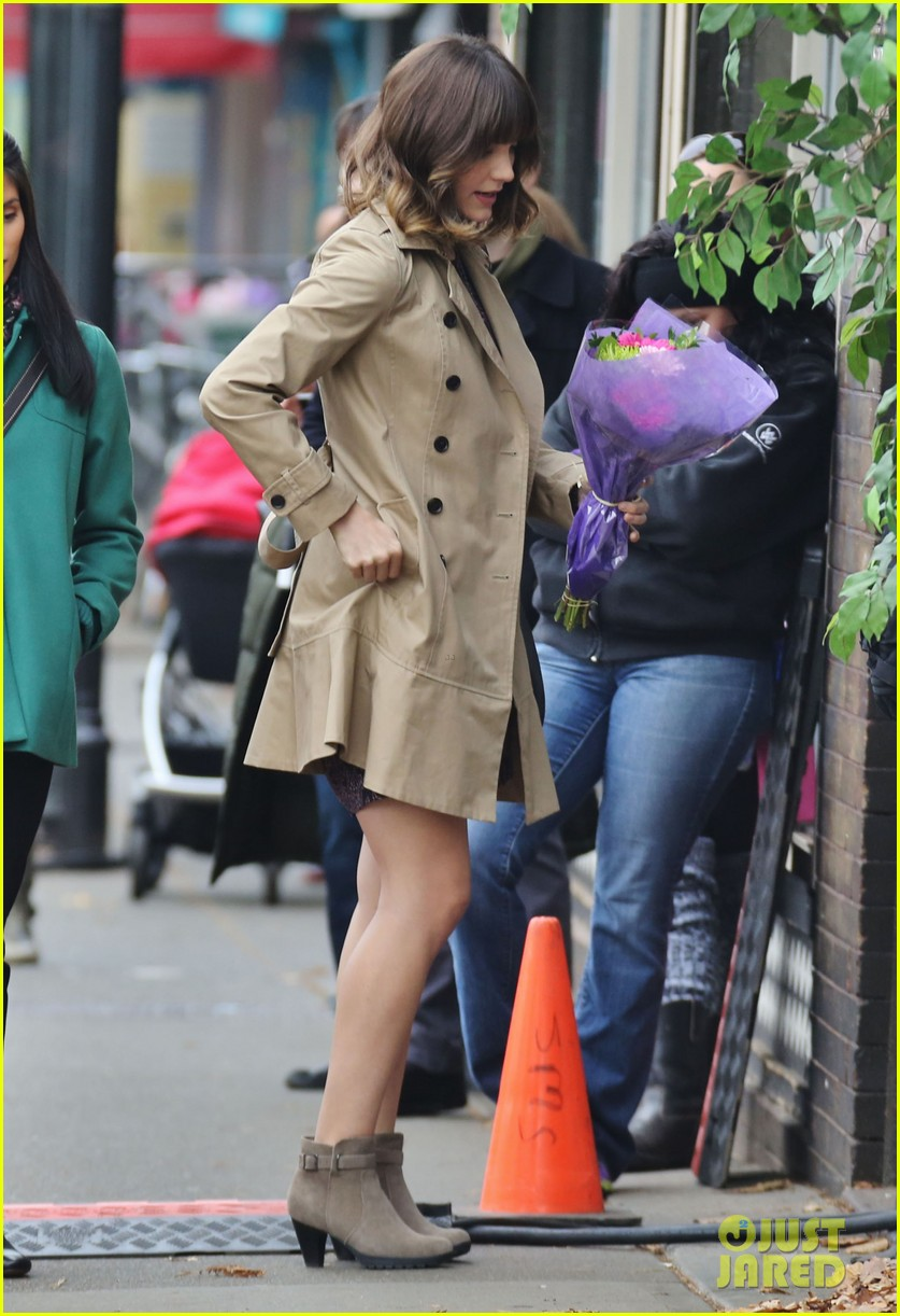 katharine mcphee gets to work on thanksgiving day 173002156