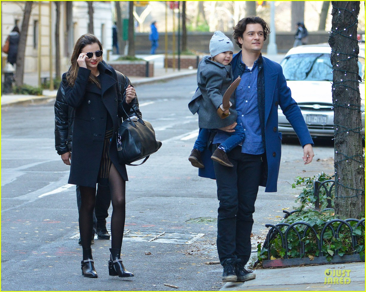 miranda kerr flynn enjoys watching orlando bloom on stage 033002548