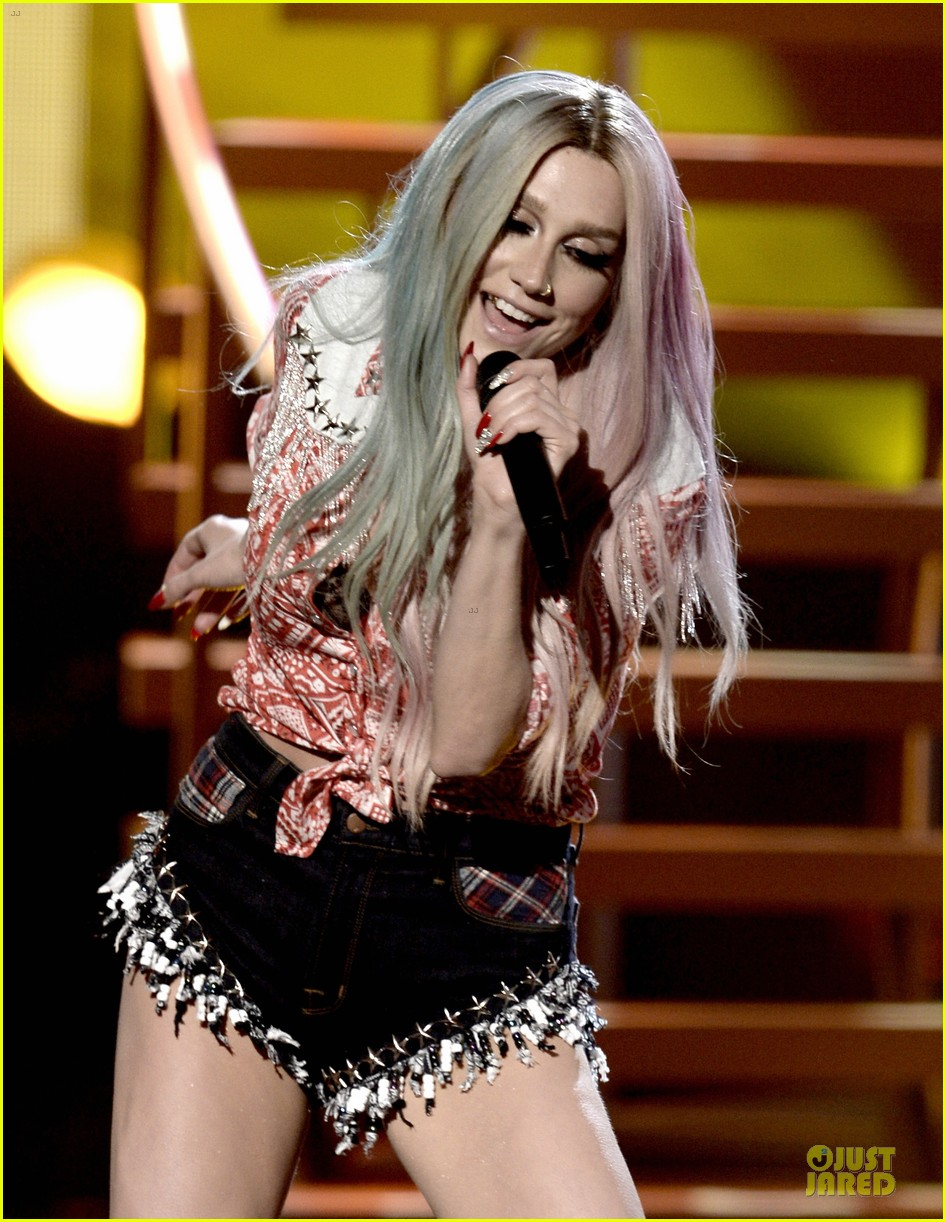kesha pitbull timber amas 2013 performance video 102999516