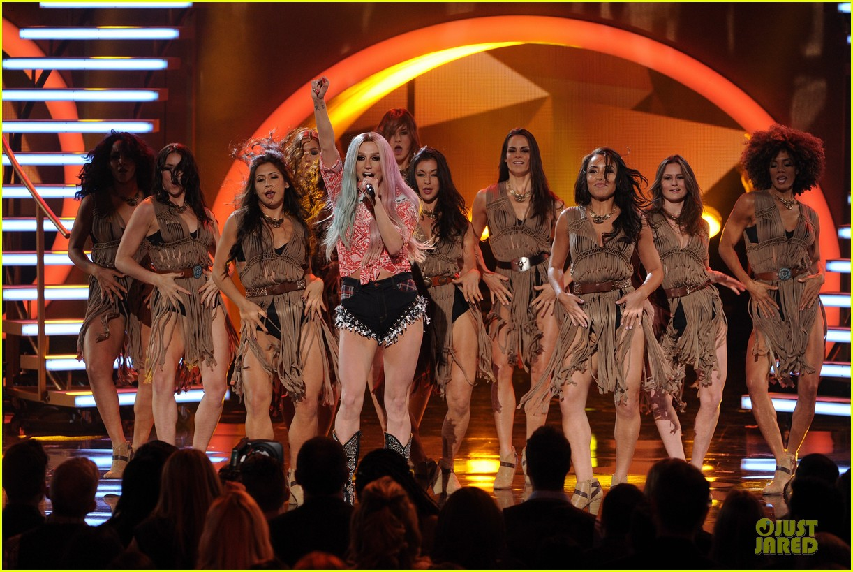 kesha pitbull timber amas 2013 performance video 122999518