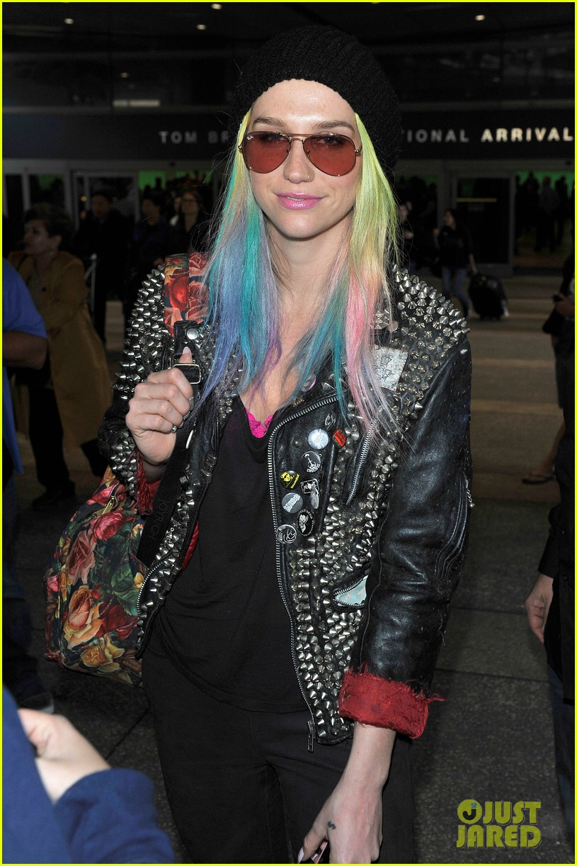 kesha returns home after amfar india trip 072995977