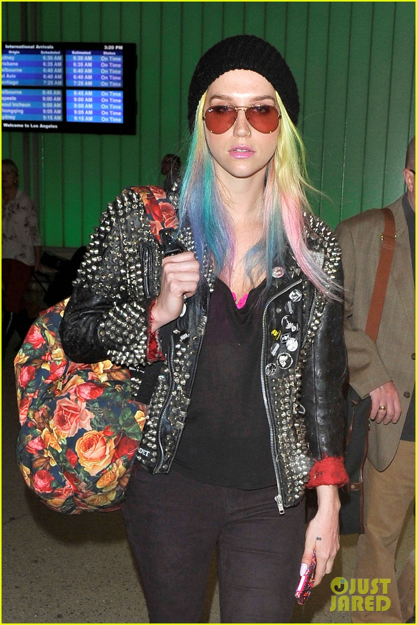 kesha returns home after amfar india trip 102995980